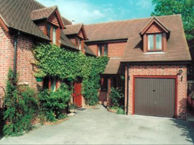 Carp Cottage Bed and Breakfast - Salisbury and convenient for Boscombe & Porton Down